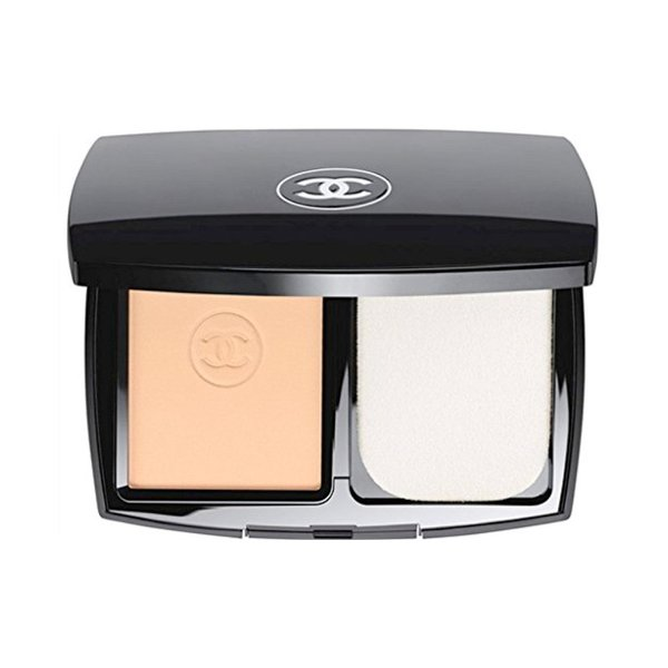 Chanel Le Teint Ultra Tenue Ultrawear Flawless Compact Foundation SPF15