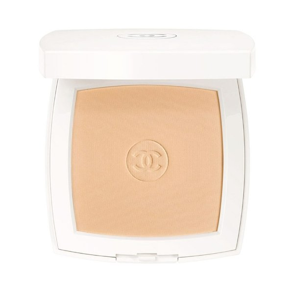 Chanel Le Blanc Whitening Compact Foundation Long Lasting Radiance Thermal Comfort SPF 25 - Beige 20