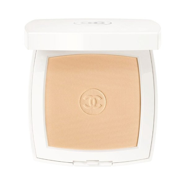 Chanel Le Blanc Whitening Compact Foundation Long Lasting Radiance Thermal Comfort SPF 25 - Beige 10