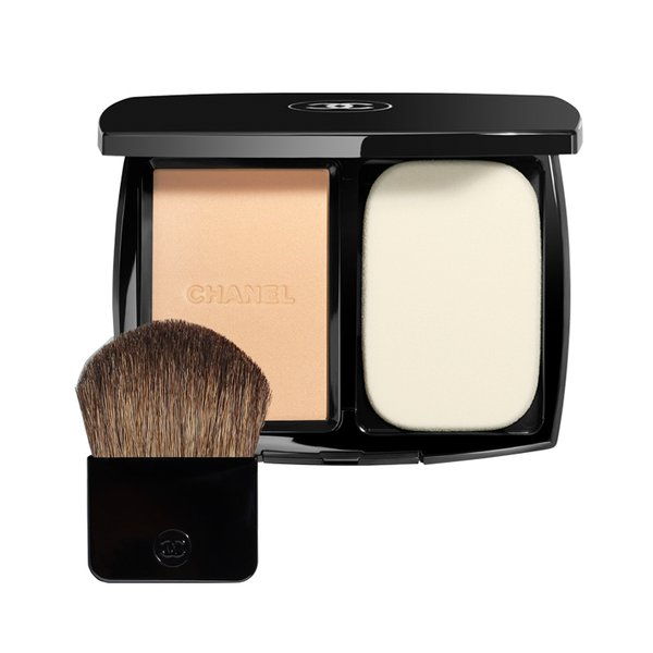 Chanel Vitalumiere Compact Douceur - Lightweight Compact Makeup Radiance Softness and Comfort SPF10